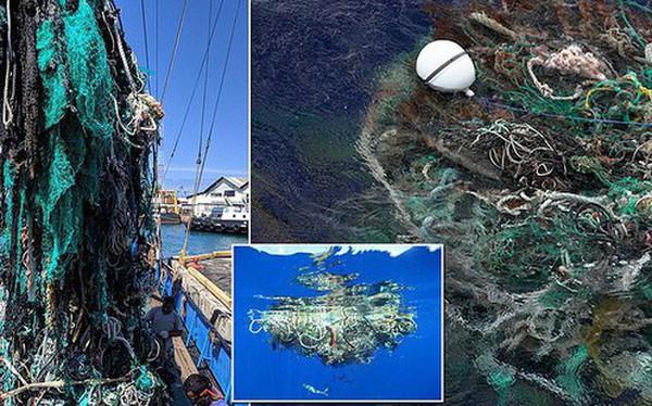 Trục vớt được hàng tấn loại rác kinh khủng hơn cả túi nhựa và ống hút, gây ám ảnh đại dương trong suốt thời gian dài