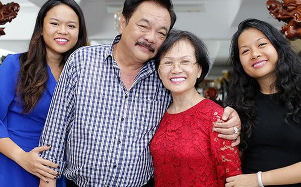 """Chuyện tình nhà Dr Thanh: """"40 năm cuồng phong bão tố, gia đình mình vẫn mãi bình yên"""""""