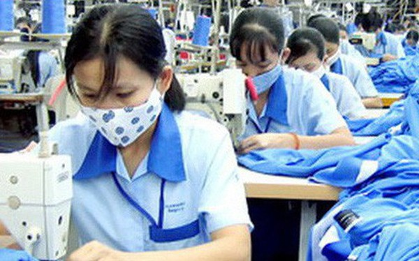 """Nikkei: Nhiều """"đại gia"""" may mặc lớn của thế giới hạn chế mở rộng tại Việt Nam vì sợ chi phí cao"""