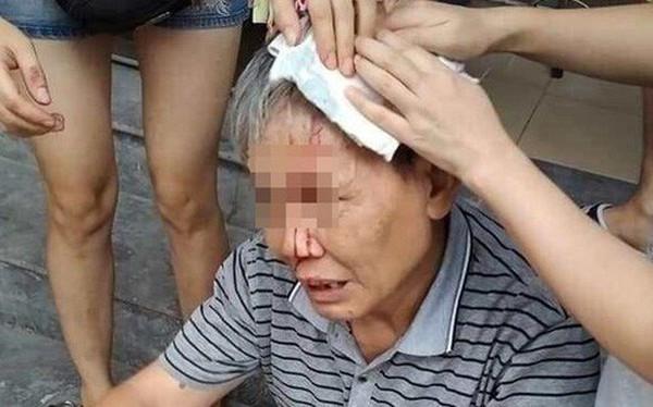 Hà Nội: Cụ ông bị ổ khóa từ trên tầng cao chung cư rơi trúng đầu khi dẫn cháu đi chơi dưới sảnh, cư dân hoang mang