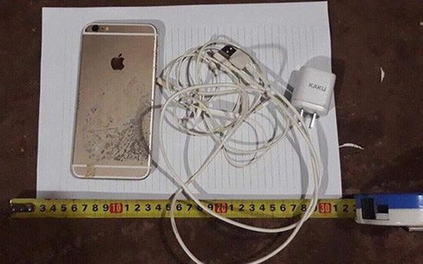 Một thanh niên tử vong vì dùng điện thoại khi đang sạc pin