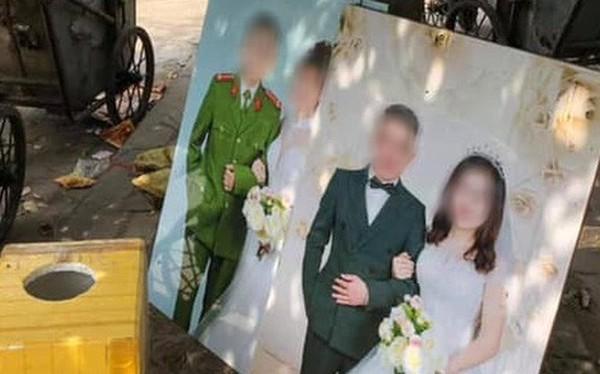 Nhìn 2 bức ảnh cưới đặt cạnh nhau giữa nơi tập kết rác mà bao người đượm buồn