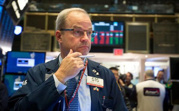 Nhà đầu tư nín thở chờ đợi kết quả cuộc họp cùa Fed, Phố Wall gần như đi ngang