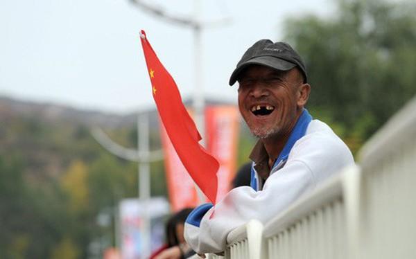 """Trung Quốc """"mỉm cười"""", chờ đợi thế giới cắt giảm lãi suất"""