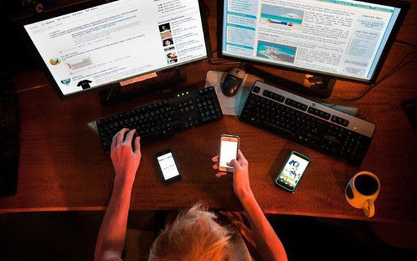 Thông tin cũng có thể gây nghiện, đó là lý do mọi người thích hóng chuyện trên mạng xã hội