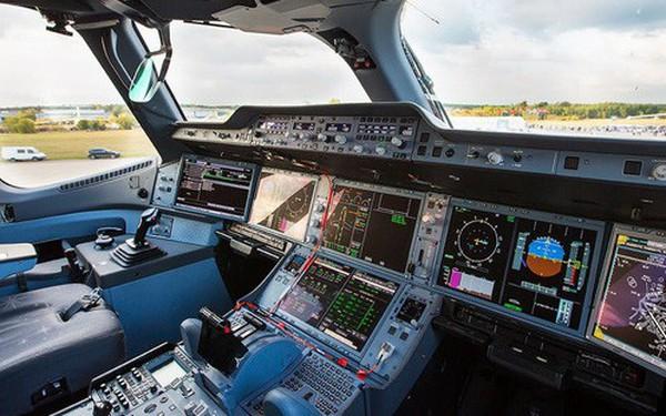 Cách sử dụng phần mềm trên máy bay 300 triệu USD: cứ 149 tiếng thì nhớ phải tắt đi bật lại