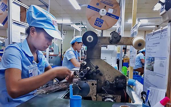 Năng suất lao động: Chỉ bằng 1/30 Singapore, thua cả Philippines, Việt Nam dưới đáy Asean
