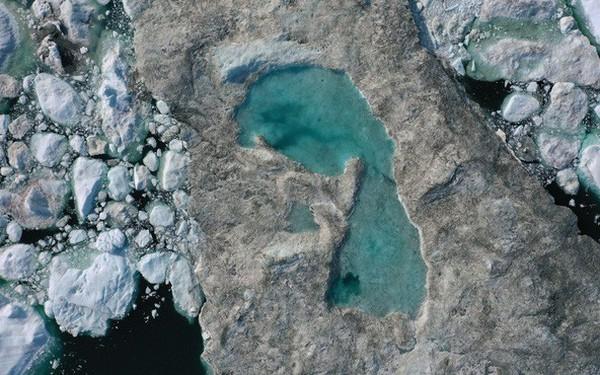 Bức ảnh vệ tinh cho thấy tình trạng đáng lo ngại về những gì đang xảy ra với một trong những nơi lưu trữ băng lớn nhất Trái Đất