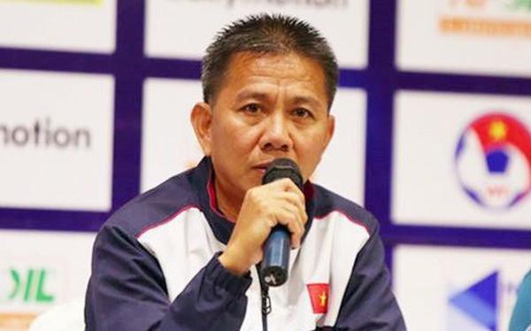 Có nên tiếp tục gửi 'tương lai' bóng đá Việt Nam cho HLV Hoàng Anh Tuấn?