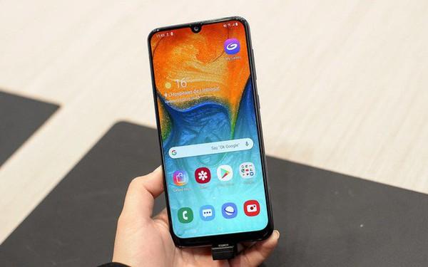 Smartphone tầm trung giúp Samsung gia tăng thị phần tại châu Âu, cản bước Huawei
