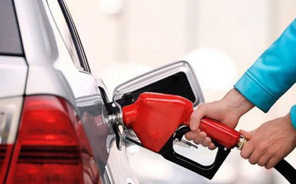 Giá xăng, dầu đồng loạt giảm hơn 500 đồng/lít kể từ 15 giờ chiều ngày 16/8
