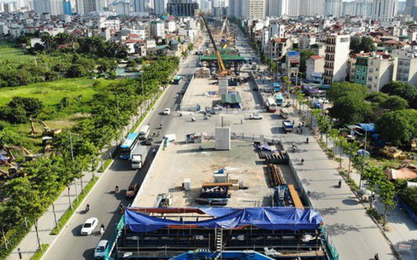 """Những chiếc """"bẫy"""" trên tuyến đường 3.000 tỉ ở Hà Nội"""