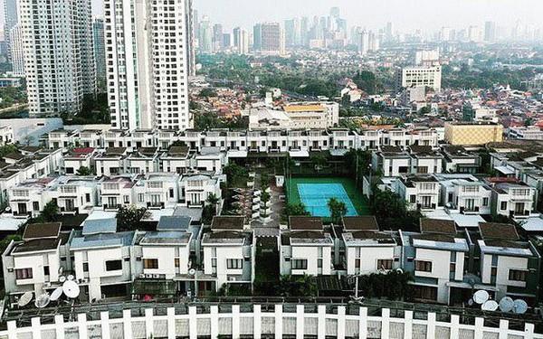 Ngỡ ngàng ngôi làng toàn biệt thự chục tỷ xây trên nóc tòa nhà cao tầng