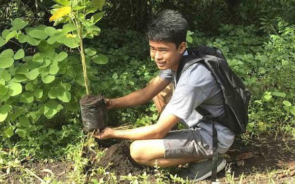 Học hành chăm chỉ thôi là chưa đủ, sinh viên Philippines còn phải trồng ít nhất 10 cây xanh mới được tốt nghiệp