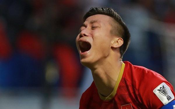 """VFF """"kiện"""" lên AFC: Tiền vệ Thái Lan đối diện án treo giò vì suýt khiến Quế Ngọc Hải chấn thương nặng"""