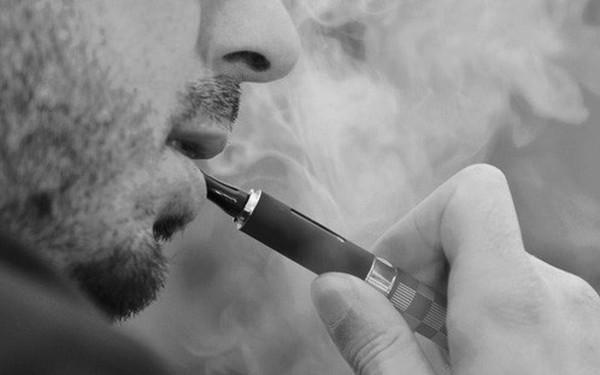 Năm người chết sau khi hút thuốc lá điện tử: Mỹ khuyến cáo người dân ngừng sử dụng loại hình thuốc lá này