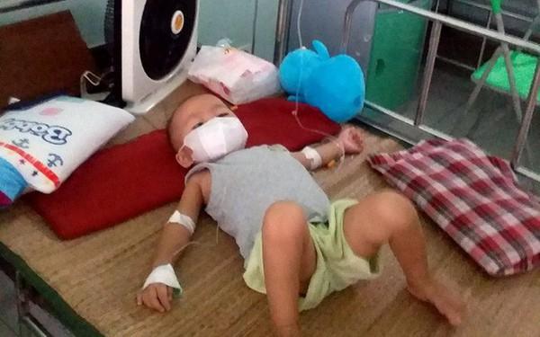 Lời khẩn cầu của người mẹ nghèo mong được cứu giúp con trai 3 tuổi bị ung thư máu