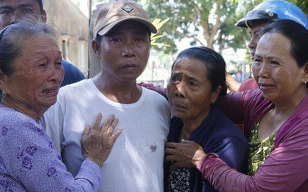 """Ly kỳ chuyện cá heo """"chỉ đường"""" cứu 41 ngư dân Quảng Nam thoát chết"""