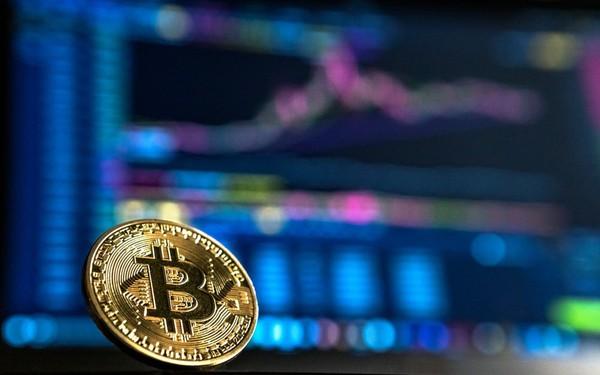 Bitcoin 'mắc cạn' ở ngưỡng 10.000 USD