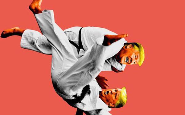 New York Times: Hãy để ông Trump tự quật ngã chính mình