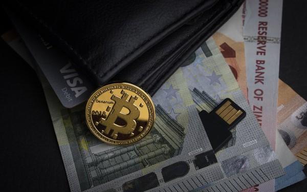 Bitcoin đình trệ vẫn tăng sốc từ đầu năm