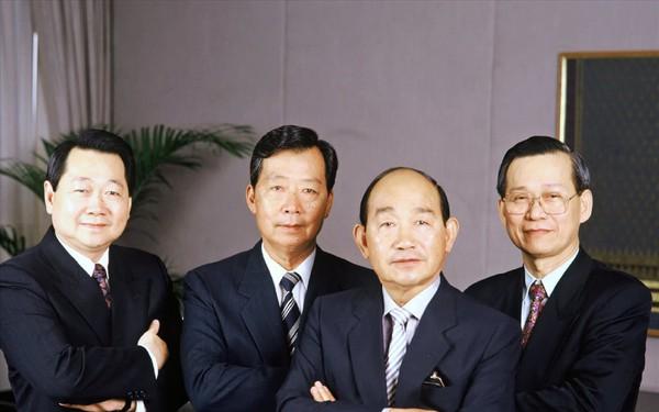Choáng ngợp khối tài sản khổng lồ của top 5 tỉ phú giàu nhất Thái Lan