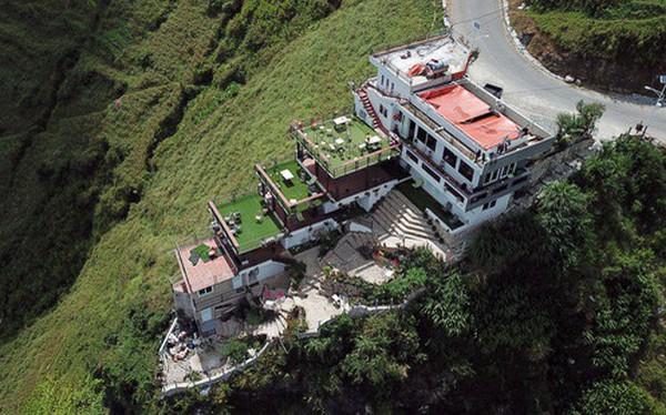 NÓNG: Đề nghị tháo dỡ một phần công trình sai phép Panorama trên đèo Mã Pì Lèng trước 15/11
