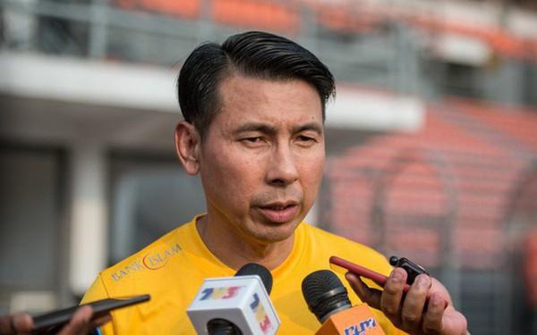 Về nhà, HLV Tan Cheng Hoe 'xổ' bức xúc sau trận thua ở Mỹ Đình