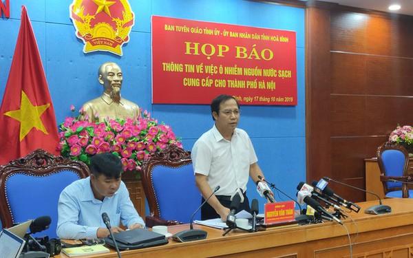 NÓNG: Đang họp báo vụ nước sinh hoạt ở Hà Nội nhiễm dầu, đã có quyết định khởi tố vụ án hình sự