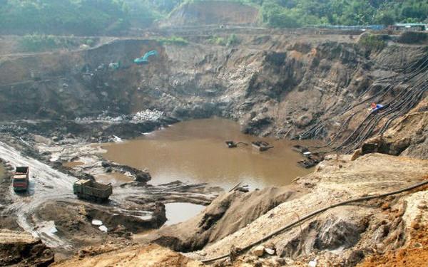 Hơn 5.000 mỏ khoáng sản, hàng trăm nhà máy giấy lạc hậu đang tác động xấu đến môi trường