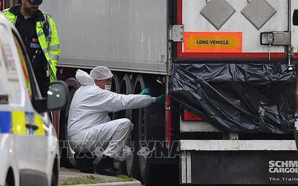 Quy trình nhận dạng 39 thi thể trong container ở Anh