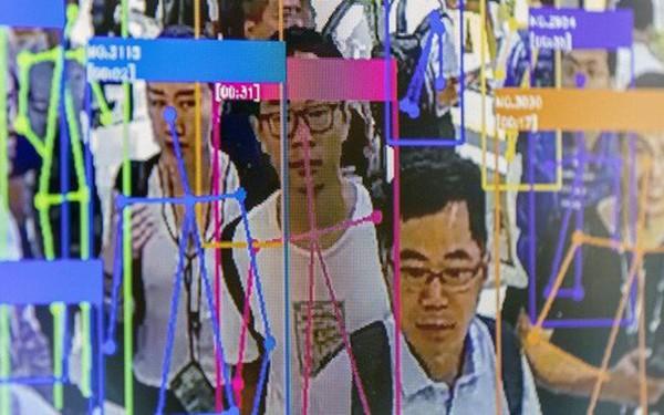 Giáo sư Trung Quốc kiện công viên vì đã chuyển từ hệ thống kiểm tra dấu vân tay sang nhận dạng khuôn mặt