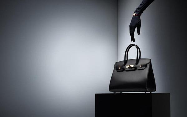 Lý thuyết kinh tế học giải thích vì sao nhiều người sẵn sàng chi vài trăm nghìn USD để mua chiếc túi Hermes Birkin có giá thành chưa đến 800 USD