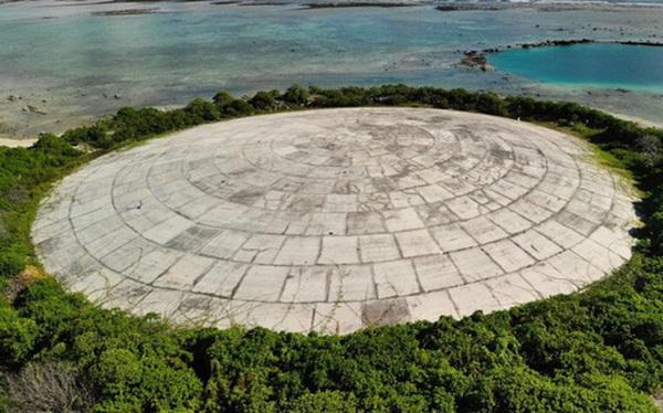 """Lăng Mộ - """"quả bom phóng xạ"""" nổ chậm nằm ngay bên bờ Thái Bình Dương sắp bung ra do biến đổi khí hậu"""