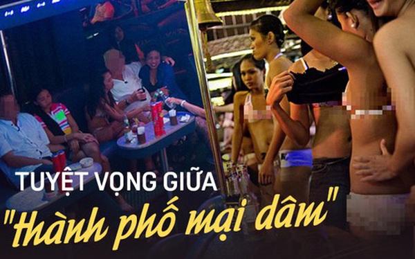 """Cuộc đời những cô gái """"dịch vụ"""" giữa lòng """"thành phố mại dâm"""" lớn nhất Philippines: Tuyệt vọng trước nạn buôn người và lạm dụng không thể chống đỡ"""