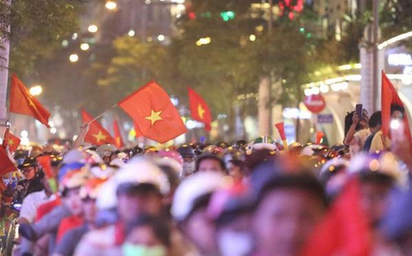 Cấm phương tiện lưu thông vào trung tâm Sài Gòn để người dân cổ vũ U22 Việt Nam đá chung kết Sea Games 30