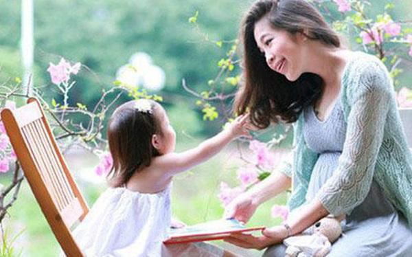 Để các con luôn hòa thuận, không ghen tị nhau, đây là 7 điều quan trọng bố mẹ cần dạy đứa con cả khi sắp có thêm em bé