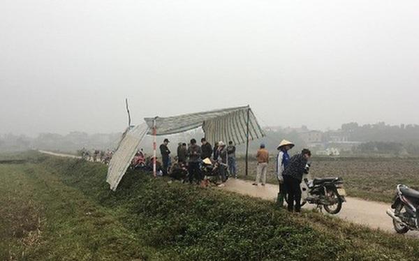 Vì sao người dân tái diễn cảnh dựng lều bạt chặn xe vào bãi rác Nam Sơn?