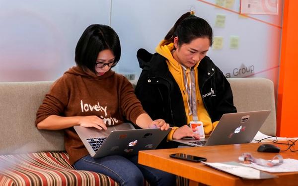Nhiều công ty Trung Quốc cho nhân viên làm việc ở nhà sau kỳ nghỉ Tết, có nơi chưa hẹn ngày quay trở lại văn phòng