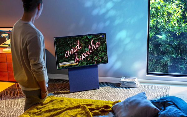 """CES 2020: Samsung ra mắt tivi xoay lật """"vi diệu"""" như smartphone"""