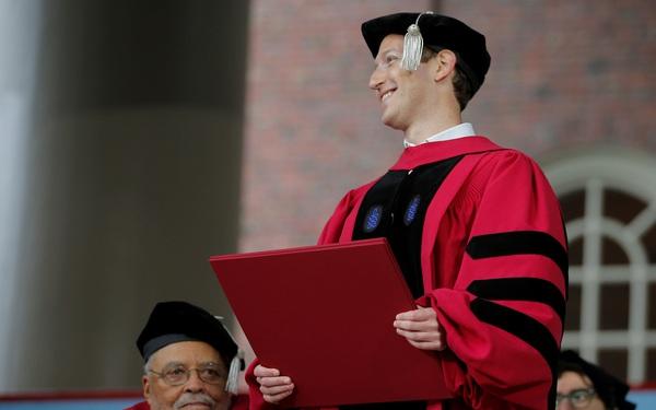 9 tỷ phú giàu nhất thế giới tốt nghiệp đại học nào?
