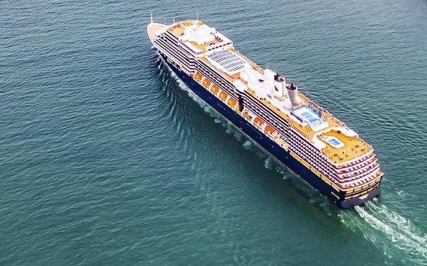 Tàu du lịch 'số nhọ' bị 5 nước cấm nhập cảnh cuối cùng cũng được đồng ý cập cảng Campuchia