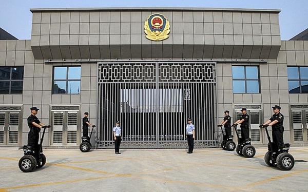 Trung Quốc tá hỏa khi nhiều tù nhân cũng bắt đầu nhiễm Covid-19