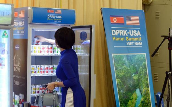 Hành động đẹp thời dịch corona: DN có sản phẩm phục vụ hội nghị thượng đỉnh Mỹ - Triều thu mua thanh long cho nông dân để chế biến nước ép