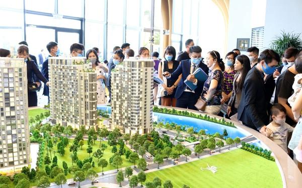 Nhà mẫu d'Lusso đón hàng trăm khách tham quan, tín hiệu vui cho thị trường căn hộ