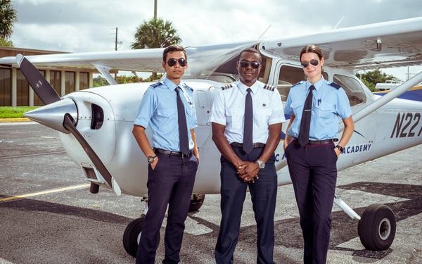 Trở thành phi công không còn khó như lên trời