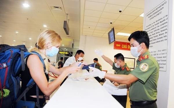 Bệnh nhân thứ 17 dùng hai hộ chiếu để trốn kiểm dịch Covid-19 có thể bị xử lý hình sự