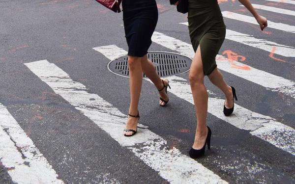 Phụ nữ thông minh khiến đàn ông phát cuồng: Nhất định chỉ tiêu tiền cho 3 thứ