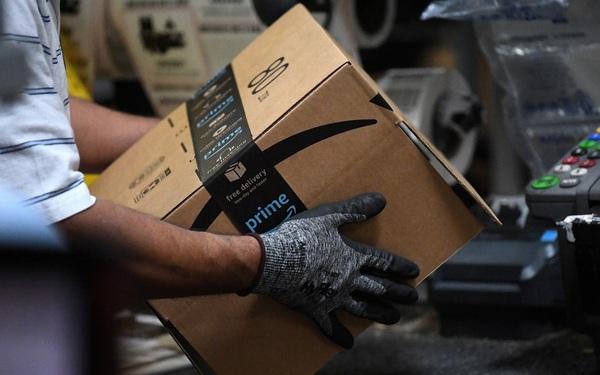 Nhu cầu tăng vọt giữa dịch Covid-19, Amazon tuyển dụng hơn 100.000 nhân viên mới