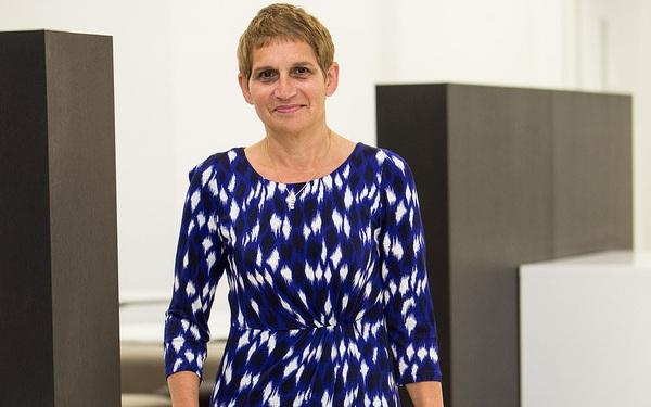 Nữ bác sĩ 60 tuổi kể chuyện may mắn chiến thắng Covid-19 bằng nước chanh, paracetamol và súp gà